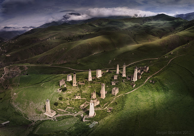 Sergey Shandin. View from above. Ingush battle towers. Erzi