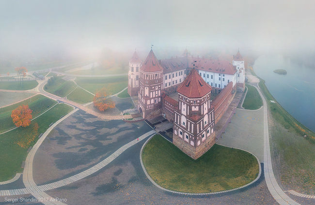 Sergey Shandin. View from above. Mir Castle